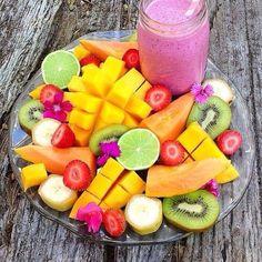 Fruta picada para desayuno nutritivo