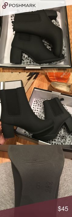 Jeffree Campbell rain boots Black JEFFREE CAMPBELL AUTHENTIC RAIN BOOTIES. Worn once, will be shipped with original box/packaging. Jeffrey Campbell Shoes Ankle Boots & Booties