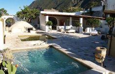Hotel Signum Vista della piscina....Aeolian Islands, Sicily