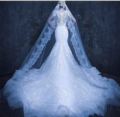 SO.  STUNNING.  I love the really long veils.