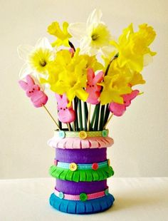 How To Make Felt Spring Vase - 101 Easy DIY Spring Craft Ideas and Projects - DIY & Crafts
