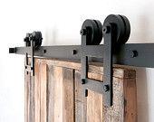 Artículos similares a Industrial/clásico doble rueda deslizante Hardware armario puerta de granero en Etsy