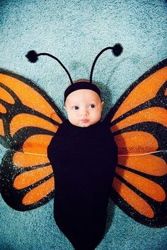 DIY Halloween costumes for kidsno sewing necessary! internet at large there are so many great ideas for DIY Halloween costumes out there. Cute Baby Halloween Costumes, Baby First Halloween, Cute Costumes, Halloween Kids, Teen Costumes, Costume Ideas, Woman Costumes, Batman Halloween Costume, Diy Baby Costumes