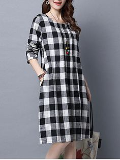 Casual Loose Plaid Round Neck Pocket Shift Dress Loose Plaid Round Neck Pocket Shift Dress is hot sale on ByChicStyle, come to ByChicStyle to see more trendy Shift Dresses online. Stylish Dresses, Casual Dresses, Fashion Dresses, Casual Knee Length Dresses, Loose Dresses, Dress Long, Kurta Designs Women, Blouse Designs, Casual Frocks