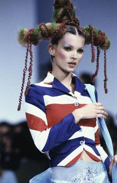 Kate Moss wearing John Galliano's 'Union Jack' jacket. The 'Pirates' collection, 2001.  #RuleBritannia