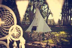 via Isabella & Dougall's Bohemian Gypsy Wedding / Wedding Style Inspiration / LANE (PS - Follow us on instagram: the_lane)