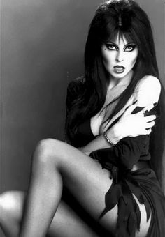 When I grow up, I hope I can have a girlfriend like Elvira.
