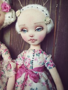 Простой способ сделать выразительное кукольное личико – Ярмарка Мастеров Fabric Dolls, Paper Dolls, Tea And Books, Sewing Dolls, Soft Dolls, Doll Crafts, Softies, Handmade Toys, Doll Patterns