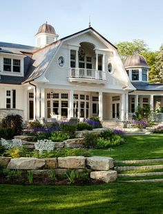 A shingle-style home designed by Wade Weissmann Architecture along with Robert Alt Design is sited on Lake Geneva, in southeastern Wisconsin. Style At Home, Future House, Design Exterior, Exterior Paint, Gray Exterior, Exterior Colors, Shingle Style Homes, Balkon Design, Luxury Interior Design