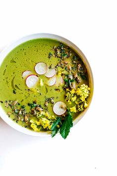 This bright and comforting spring soup is packed with fresh greens and roasted fennel, and topped with a delicious crunchy seed mix. Veggie Soup Recipes, Healthy Pasta Recipes, Healthy Soups, Fennel Soup, Roasted Fennel, Spring Soups, Dairy Free Soup, Vegan Soup, Vegetarian Soups