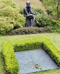 For the writer perhaps most readily identifiable with Irish literature, it's a bit of a surprise that James Joyce is buried in Zurich. In 1941 the self-exiled Joyce, who had left Ireland in