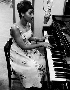 Aretha Franklin at the piano