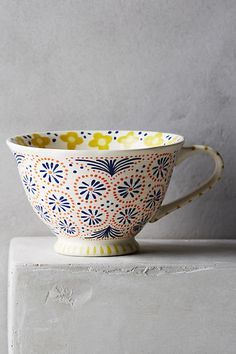 Anthropologie's collection of mugs and teacups are perfect for starting a relaxing morning with a cup of tea. Browse our unique mugs today. Pottery Painting Designs, Pottery Designs, Ceramic Cups, Ceramic Pottery, Slab Pottery, Crackpot Café, Pebeo Porcelaine, Keramik Design, Design Café