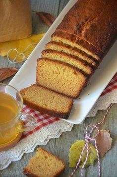 Cake au miel et à la farine d'épeautre - Le blog de C'est Nathalie qui cuisine Cake Au Miel, Afternoon Snacks, Cooking Time, Cornbread, Tea Time, Bakery, Ethnic Recipes, Desserts, Food