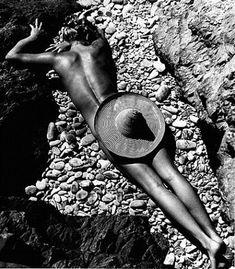 Le Plage De Cabasson. Lisa Fonssagrives, 1936.