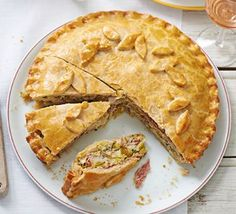Creamy leek, potato & ham pie