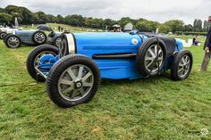 Bugatti Type 54 à Chantilly Arts et Elegance #MoteuràSouvenirs Reportage :  http://newsdanciennes.com/2016/09/05/chantilly-arts-et-elegance-2016-creme-creme/ #ClassicCar #VintageCar #Voiture #Ancienne