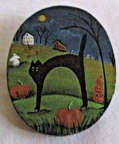 VINTAGE ESTATE HAND PAINTED SCARY CAT/HALLOWEEN SCENE WOODEDN PIN