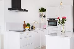 Petra-keittiöt Raami Kitchen Island, Kitchen Cabinets, Rigatoni, Petra, Cleaning Hacks, Kitchen Decor, Home Decor, Interiordesign, Home Design