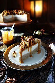 Karamellkäsekuchen mit Nüssen und flüssigem Karamell. Leckerer Käsekuchen knackig, einfach und schön!