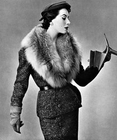 Glamorous outfit from 1953. <3