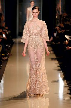 ELIE SAAB Haute Couture Spring Summer 2013. Stop making such beautiful things Elie saab. I can't take it!!