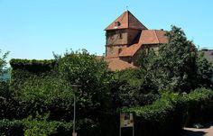 Nicht so bekannt,  ... bei weitem nicht so schön und auch touristisch nicht genutzt, ist die Unterburg von Schloss Berg in Nennig. Vielleicht kommt das ja noch ? :-)