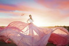 Bricie Troglia Photography | Senior Photography | Photographer | Pose | High School Senior | Parachute | Parachute Skirt | Unique Senior Photos | Golden Hour | Senior Pose Ideas