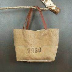 Petit panier cabas souple ou sac de plage en jute ancienne vintage (recycling sacs à grains) création originale artisanale fabriqué France de la boutique MADEinPERCHE sur Etsy