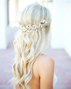Bohemian wedding themes are actually taking over these days. There's a reason for it. Boho weddings perfectly incorporate rustic, free and vintage elements into one. It makes your wedding more like a…More #WeddingHairstyles Wedding Hairstyles Half Up Half Down, Half Up Half Down Hair, Wedding Hair Down, Wedding Hairstyles For Long Hair, Wedding Hair And Makeup, Bride Hairstyles, Down Hairstyles, Hair Makeup, Hairstyle Ideas