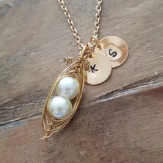 Beautiful handmade pea pod necklace on a 22ct gold chain on its way to the USA