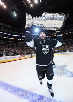 Drew Doughty with the Stanley Cup Trophy after Winning Game 6 of the 2012 Stanley Cup Finals Photo Print x Stanley Cup Trophy, Lord Stanley Cup, Nhl Stanley Cup Finals, Hockey Girls, Hockey Mom, Hockey Teams, Ice Hockey, Flyers Hockey, Blackhawks Hockey