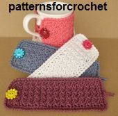 For a pretty button. Free crochet pattern for a simple mug cozy by Patterns For Crochet. It's a simple cozy that can be used on mugs and other cups as you can adjust the size. Crochet Coffee Cozy, Crochet Cozy, Crochet Gifts, Cute Crochet, Crochet Yarn, Simple Crochet, Double Crochet, Coffee Cup Cozy, Tea Cozy