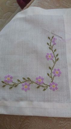 This Pin was discovered by neş Cross Stitch Rose, Cross Stitch Borders, Cross Stitch Flowers, Cross Stitch Designs, Cross Stitching, Cross Stitch Embroidery, Cross Stitch Patterns, Crochet Patterns, Palestinian Embroidery