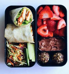 29 Healthy Vegan Bento Box Ideas and Recipes for Lunch Vegan Pesto . 29 Healthy Vegan Bento Box Ideas and Recipes for Lunch Vegan Pesto Chik'un Wrap with Strawberries and Chocolate Cheesecake Dip Healthy Meal Prep, Healthy Drinks, Healthy Snacks, Healthy Eating, Healthy Life, Healthy Lunchbox Ideas, Healthy Recipes For Lunch, Healthy Junk, Eating Vegan