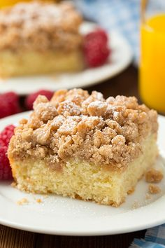 Crumb cake has got to be one of the best desserts/breakfast treats. Okay, I say that about pretty much any dessert but this Peach Crumb Cake is utterly del Best Cake Recipes, Sweet Recipes, Dessert Recipes, Favorite Recipes, Yummy Recipes, Just Desserts, Delicious Desserts, Yummy Food, Cupcake Cakes