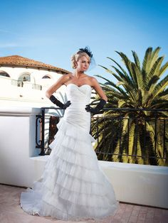 Sweetheart A-line organza bridal gown, wow