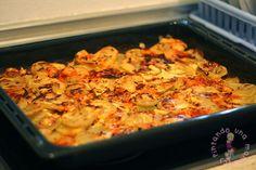Esta es una de las recetas que más hacemos en casa, sobre todo como guarnición con la carne, quedan muy jugosas por dentro y crujientes por fuera, además el sabor del queso derretido …