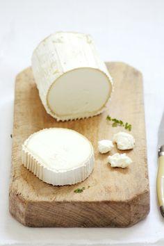 Ensalada de albaricoques con queso rulo, pistachos y vinagreta francesa