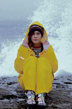 Girls Wear, Women Wear, Yellow Raincoat, Rain Gear, Girls In Love, Overall, Rain Jacket, Windbreaker, Nice