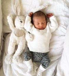 ♡ Kids & Baby Inspiration♡ on We Heart It Little Babies, Cute Babies, Babe, Cute Baby Pictures, Everything Baby, Baby Kind, Baby Kids Clothes, Baby Girl Fashion, Baby Fever