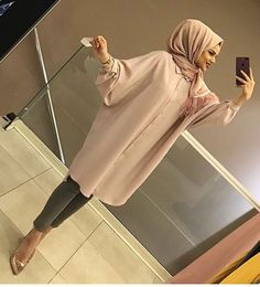 In 95 auf Lager Hijab Fashion 2016, Modern Hijab Fashion, Muslim Women Fashion, Islamic Fashion, Modest Fashion, Fashion Outfits, Hijab Elegante, Hijab Chic, Hijab Style Dress