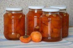 Ингредиенты: - Абрикосы 2 кг. - Сахар 1 кг. Приготовление: 1. абрикосы промыть, разрезать на половинки и удалить косточки. 2. положить половинки абрикосов в кастрюлю, засыпать сахаром. 3. кастрюлю с а...