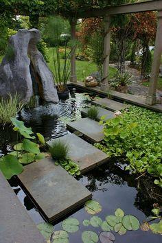 allées de jardin, une allée fantastique dans le bassin