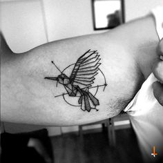 Nº115 Hummingbird #tattoo #hummingbird #geometric #lines #bylazlodasilva (designed by Ramón Carrillo)