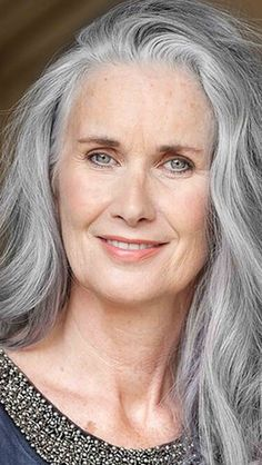 ♡ going gray gracefully, aging gracefully, grey hair journey, silver white Grey Hair Journey, Silver White Hair, Girl Faces, Long Gray Hair, Beautiful Old Woman, Ageless Beauty, Aging Gracefully, Belle Photo, Older Women