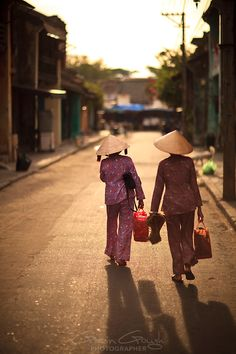 Going Home - Hoi An, Vietnam