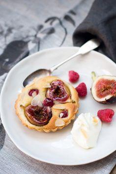 Delicious Bites: Fig and Raspberry Frangipane Tarts http://decor8blog.com/2013/09/04/delicious-bites-fig-raspberry-frangipane-tarts/