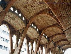 celler cooperatiu de Sant Cugat Arcade Architecture, Brick Architecture, Classic Architecture, Historical Architecture, Architecture Details, Brick Works, Brick Detail, Solid Brick, Brick Facade