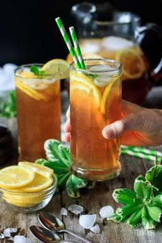 Iced tea lemonade is the perfect spring drink to lay out in the sun with. Fruit Drinks, Drinks Alcohol Recipes, Non Alcoholic Drinks, Drink Recipes, Beverages, Cleanse Recipes, Snacks Recipes, Detox Drinks, Cocktail Recipes